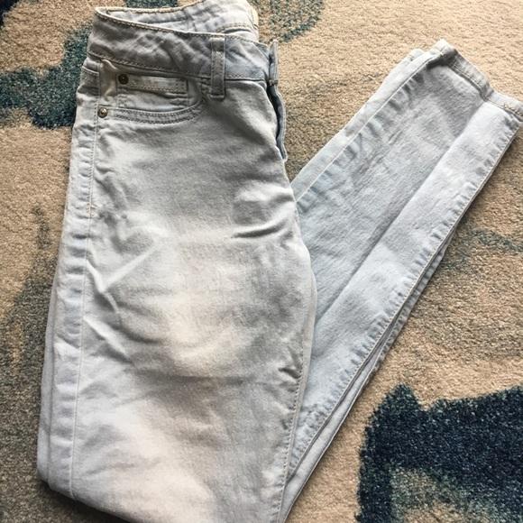 Denim - Light Wash Skinny Jeans